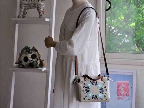 yokuatareハンドメイド*両面手刺繍でいっぱいのバッグ*長さ調整と取り外しできるショルダーコード付き_画像4