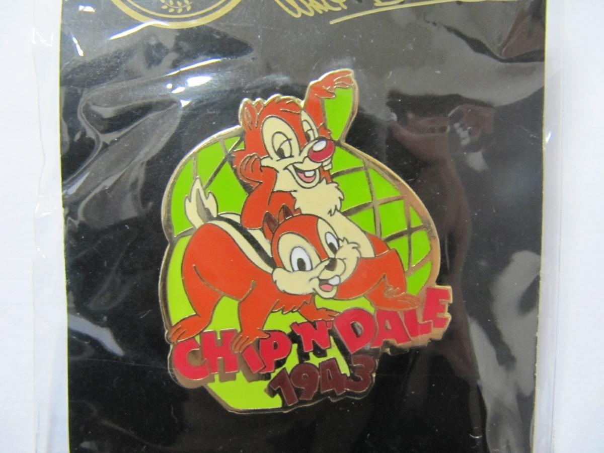 Disney Store チップ&デール ディズニーストア 限定 ピンバッジ ウォルトディズニー 100th チップ デール 1943 どんぐり ピンズ 新品_画像2