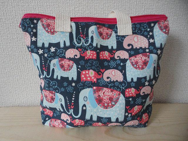 象柄プリントのコットンバッグ 新品◆幅23㎝ 高さ20㎝◆タイ王国製 送料込み