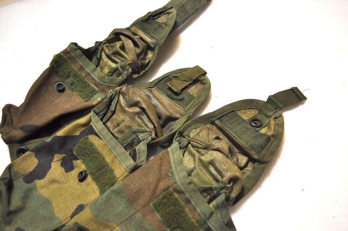 米軍放出品 実物 USMC 米海兵隊 US ARMY ウッドランド 迷彩 M4 M16 5.56mm 30連 シングルマガジンポーチ 3つセット FSBE AAV MARSOC_画像4