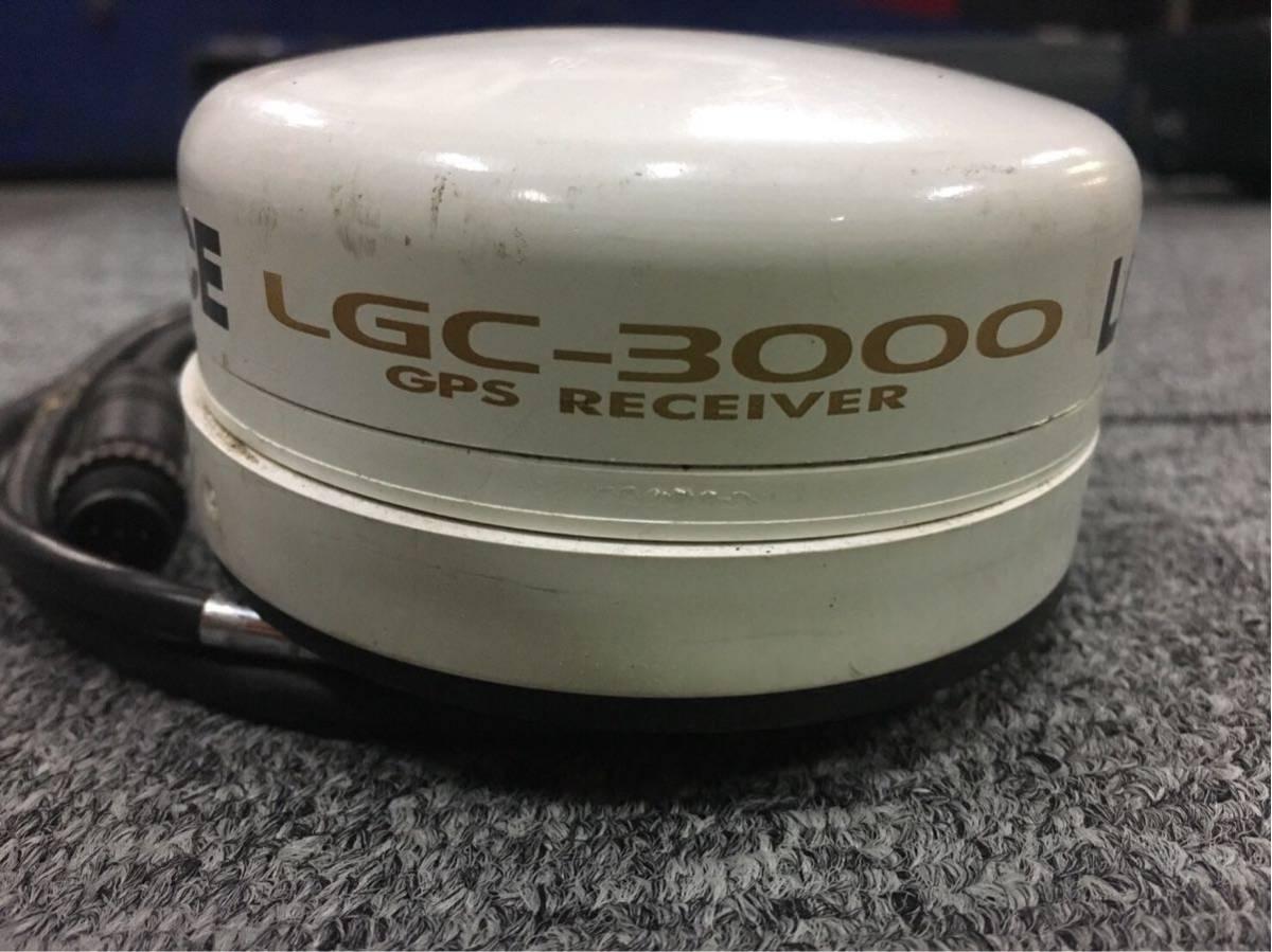 「LOWRANCE ローランス 520c GPSアンテナ 振動子 セット 琵琶湖地図カードポイント記録SDカード付き 架台付き」の画像2