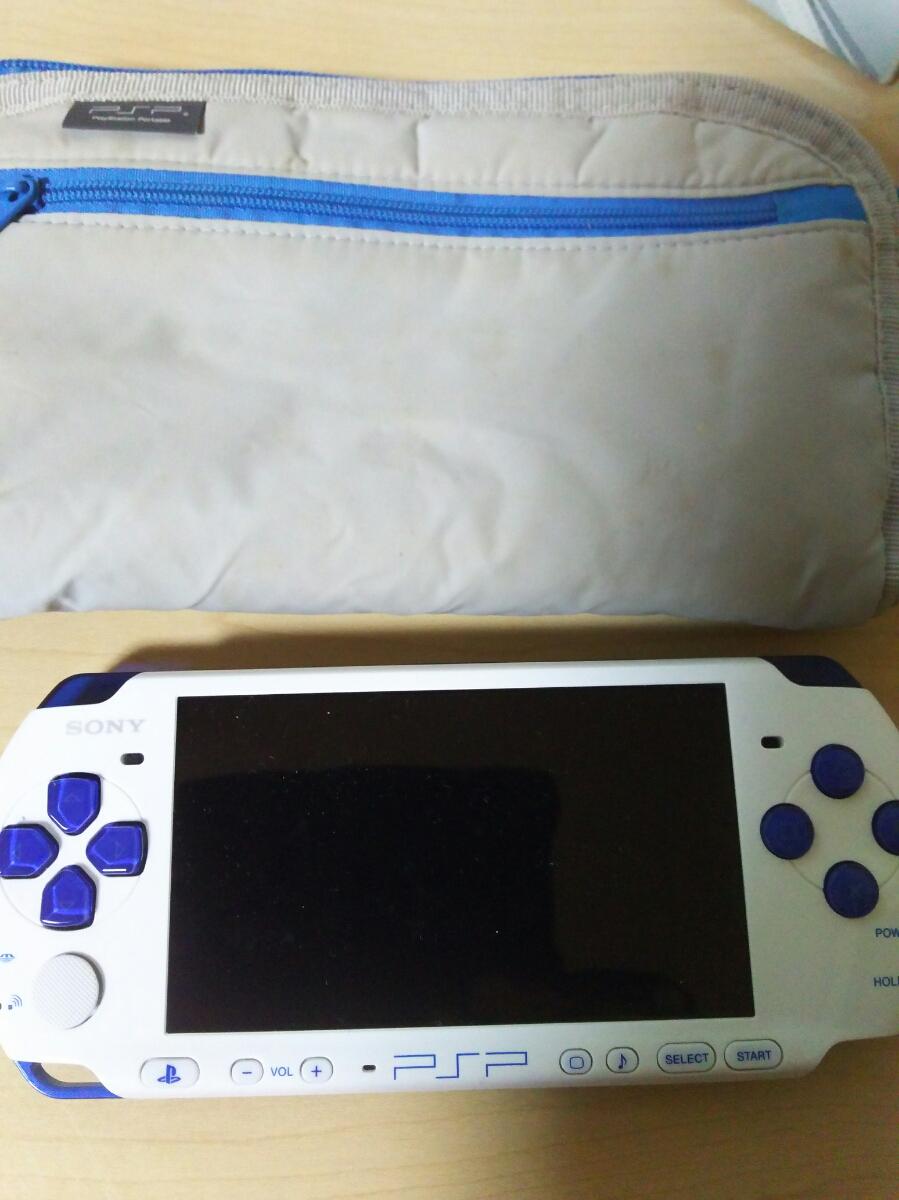 【ジャンク】PSP本体2台+PSPソフト40枚セット/ガンダム/メタルギア/クロヒョウ/パロディウス/思い出にかわる君/アナタヲユルサナイ_画像3
