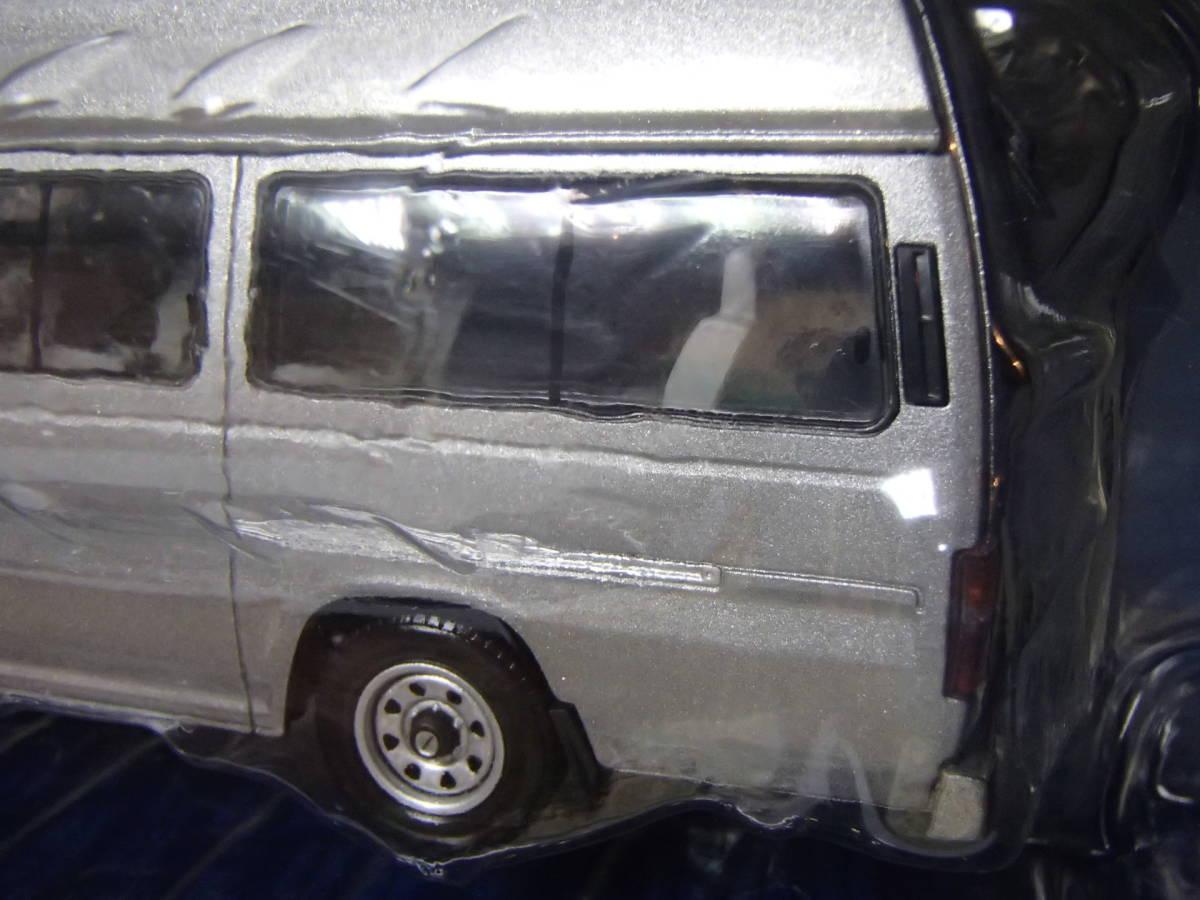 トミカリミテッドヴィンテージ 1/43 日産エルグランド ジャンボタクシー(銀) LV-N43-02a_画像5