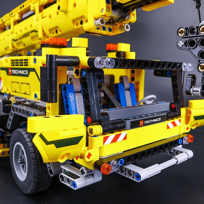 【送料無料!】 レゴ互換品 クレーン車 ブロック おもちゃ レゴ互換 プレゼント 誕生日 知育玩具 新品 人気 即決価格 8_画像2