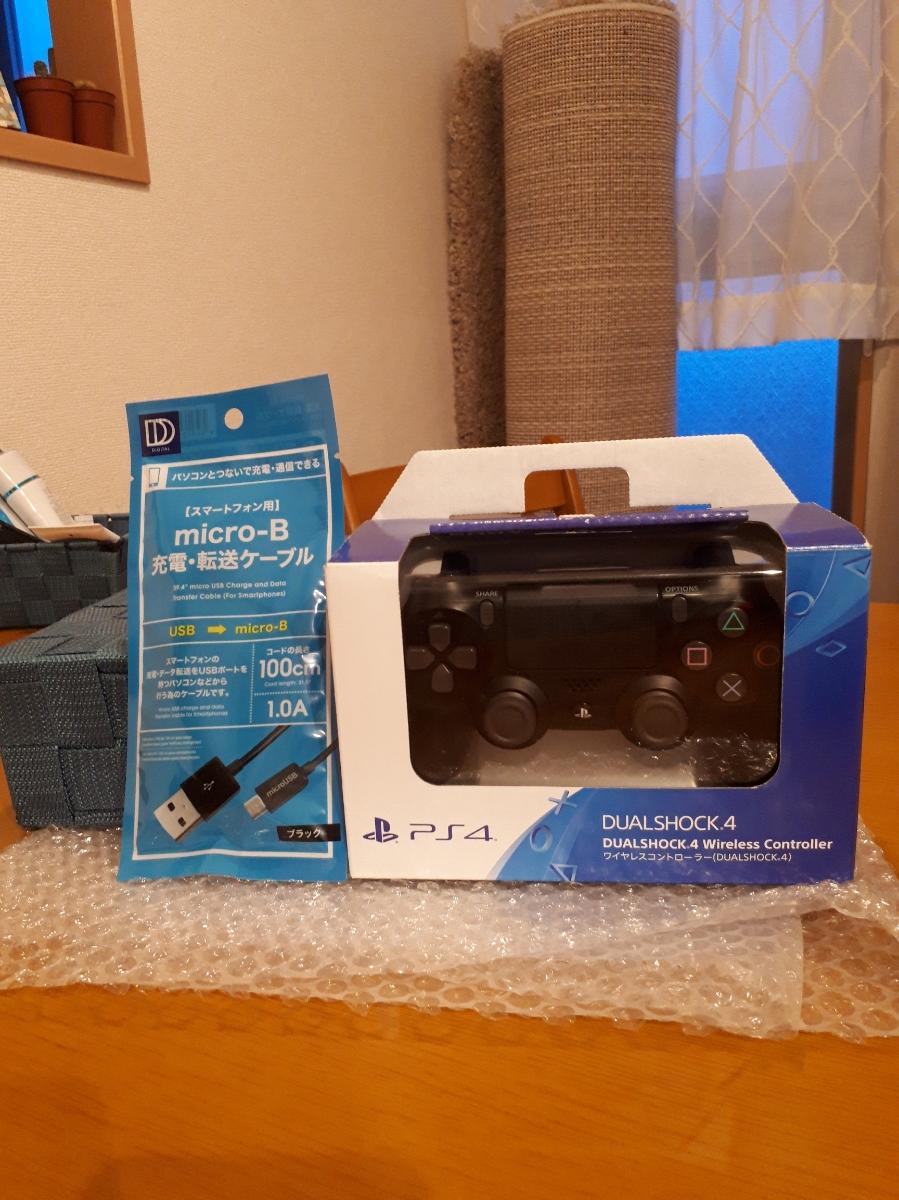 [極美品] 新型 ワイヤレスコントローラー(DUALSHOCK 4) ジェット・ブラック(CUH-ZCT2J) 箱、説明書付き 新品USBケーブル おまけ付き