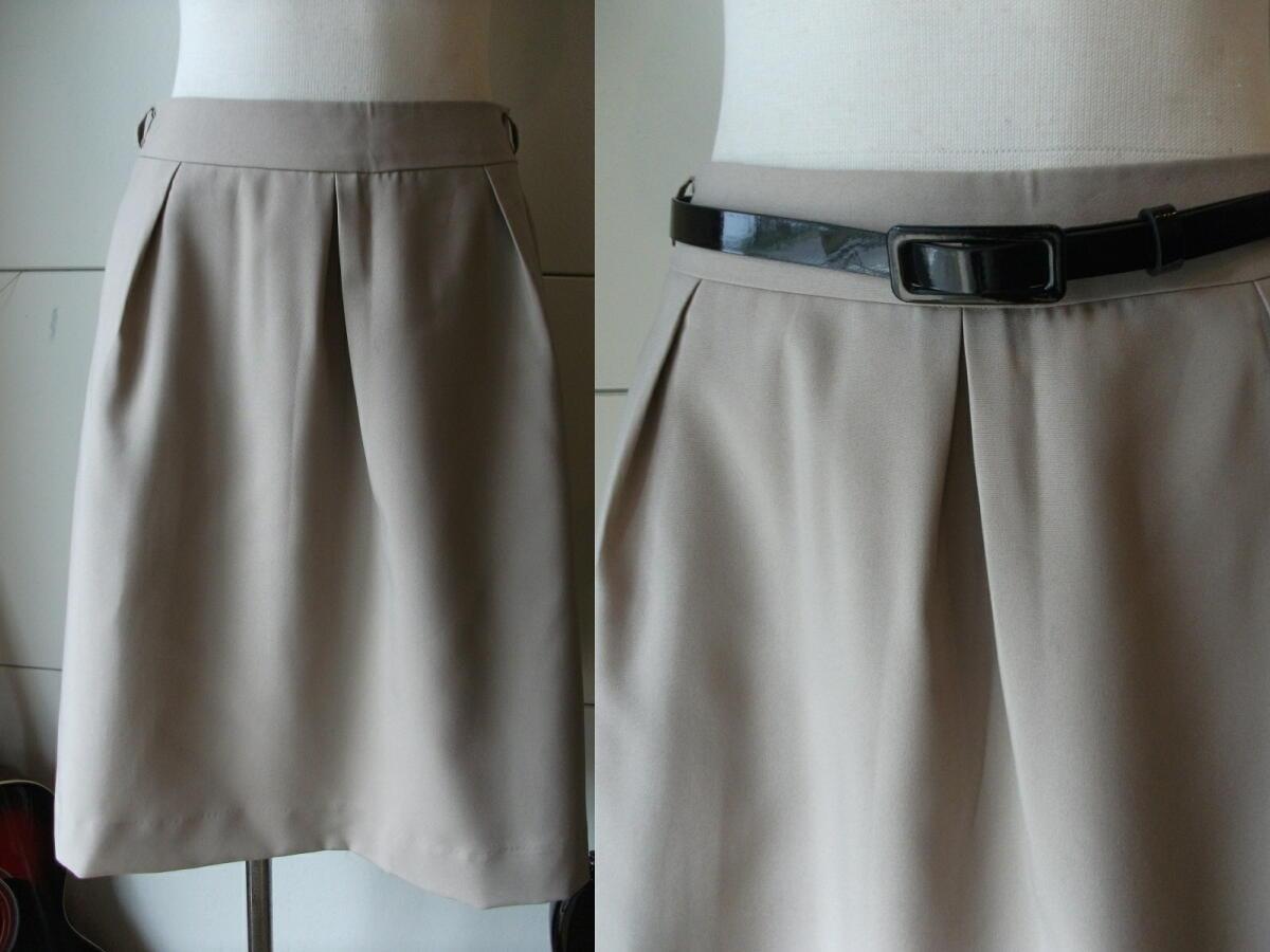 新品 W67㎝ 洗えます ソフトなプリーツスカート オールシーズン着用可 ベージュ 通勤・ビジネス Wa88_画像1