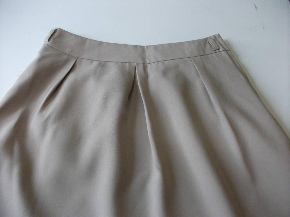 新品 W67㎝ 洗えます ソフトなプリーツスカート オールシーズン着用可 ベージュ 通勤・ビジネス Wa88_画像5