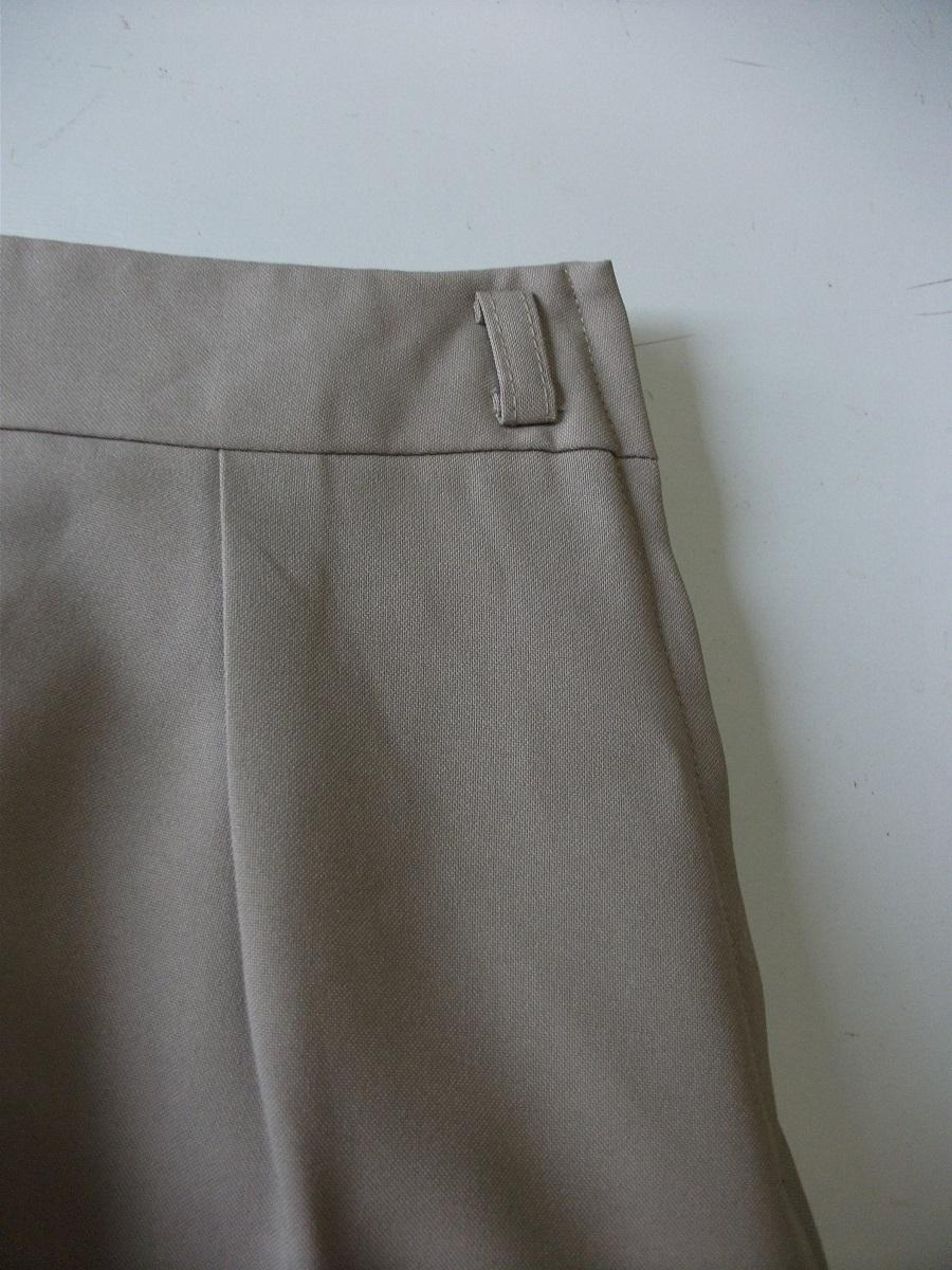 新品 W67㎝ 洗えます ソフトなプリーツスカート オールシーズン着用可 ベージュ 通勤・ビジネス Wa88_画像7