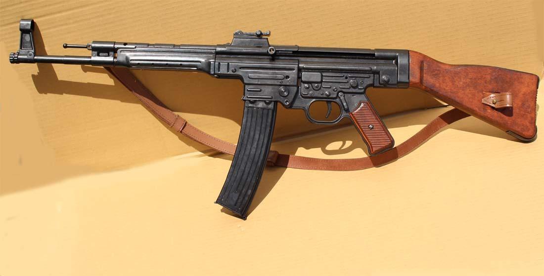 デニックス ドイツ軍 MP44 Stg44...