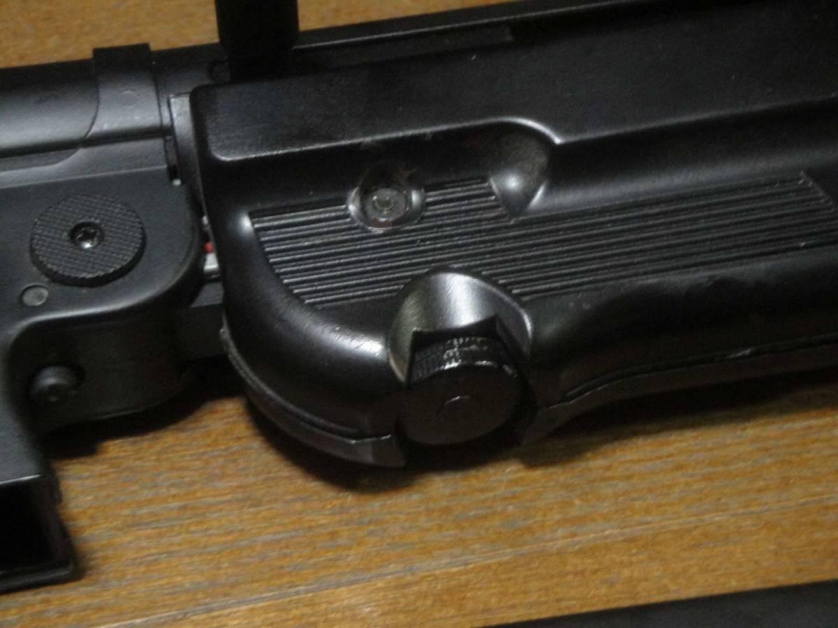 AGM製 MP40 電動ガン セレクター除去 実動 塗装剥げ有り 重量増加 重くて武骨なシュマイザー_画像3