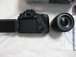 7月サマーセール4 数量1個 今週限定品  新品 キャノン EOS 80D EF-S18-135 IS USM レンズキット_画像2