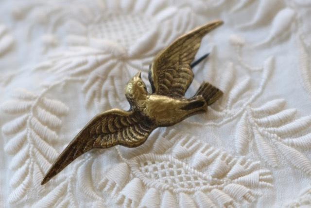 【ベルギー】真鍮製 鳩(はと)のブローチ_画像3