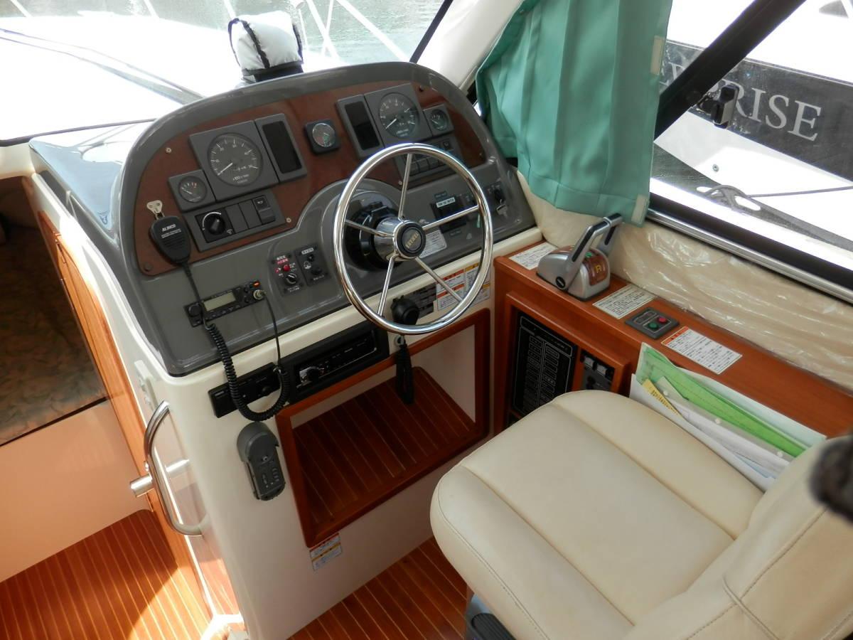 ヤマハ Y31 コンバーチブル シャフト船 ワンオーナー 使用時間 796時間 発電機エアコン付き 美艇です。_画像4