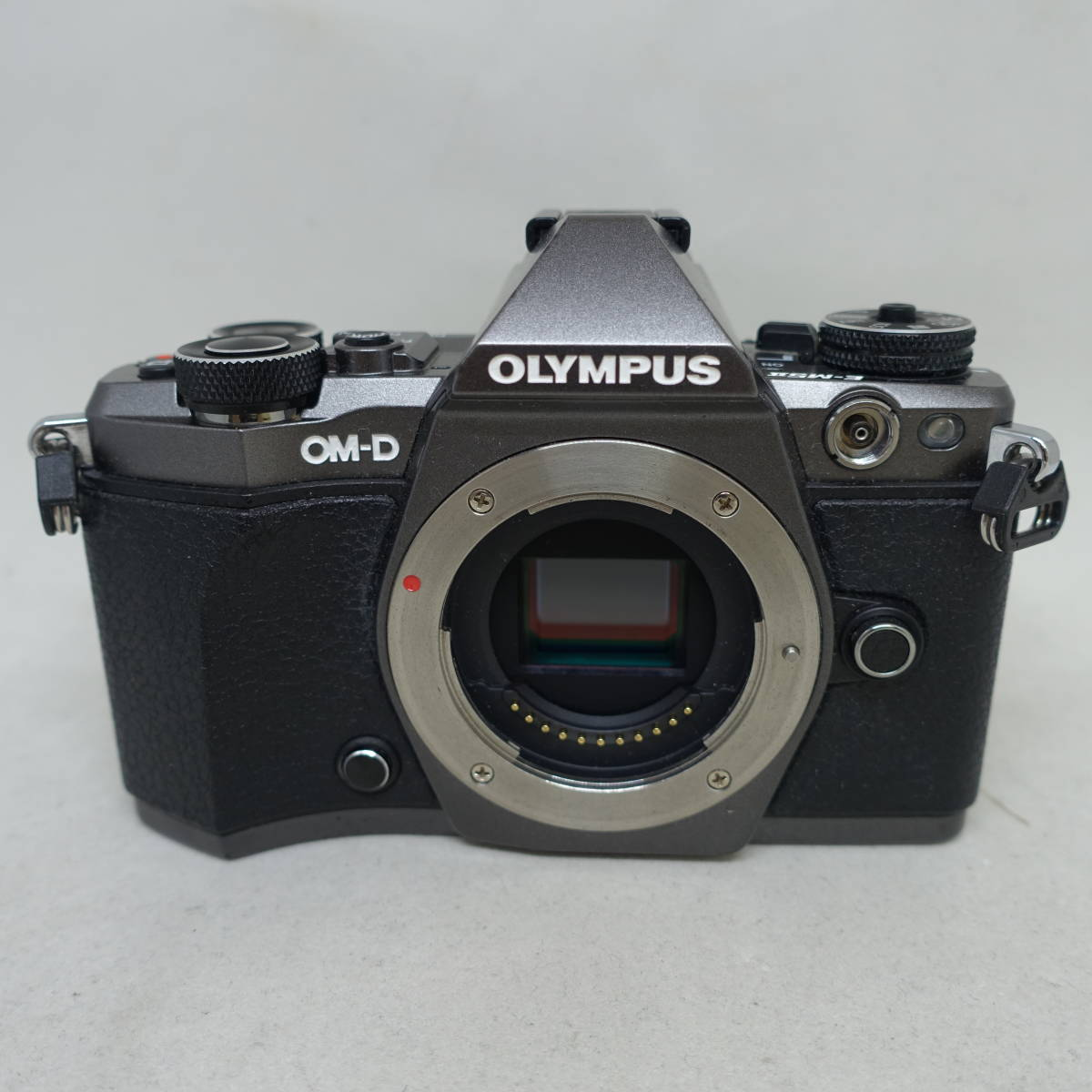 ★美品★Olympus オリンパス OM-D E-M5 Mark II Limited Edition Kit #205YO MO_画像2