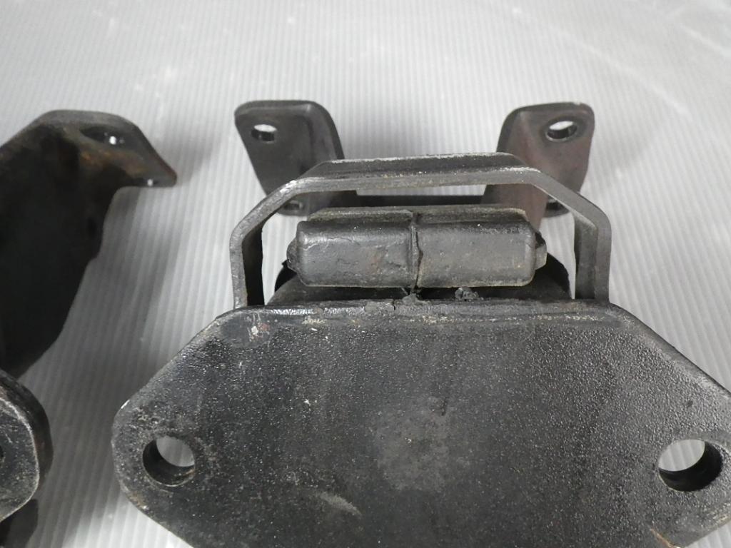 ソアラ GZ10 MZ11 MZ12 エンジンマウント_画像4