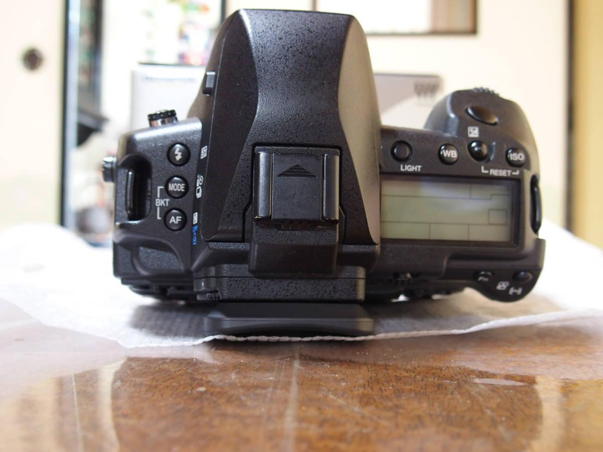 サブ液晶にも保護フィルム貼ってあります