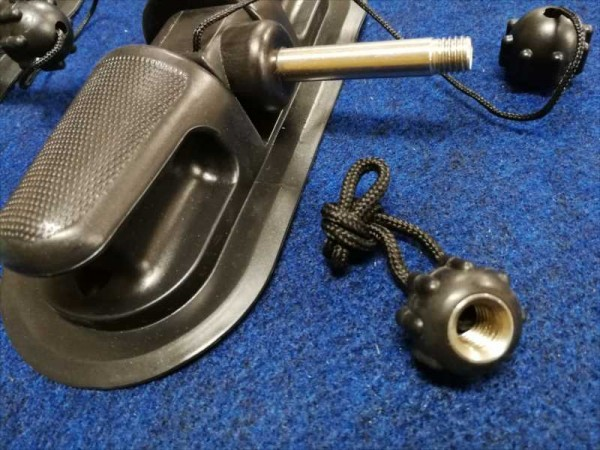 「BEE純正のオール用の固定の真鍮付きのナットです 送料込」の画像1