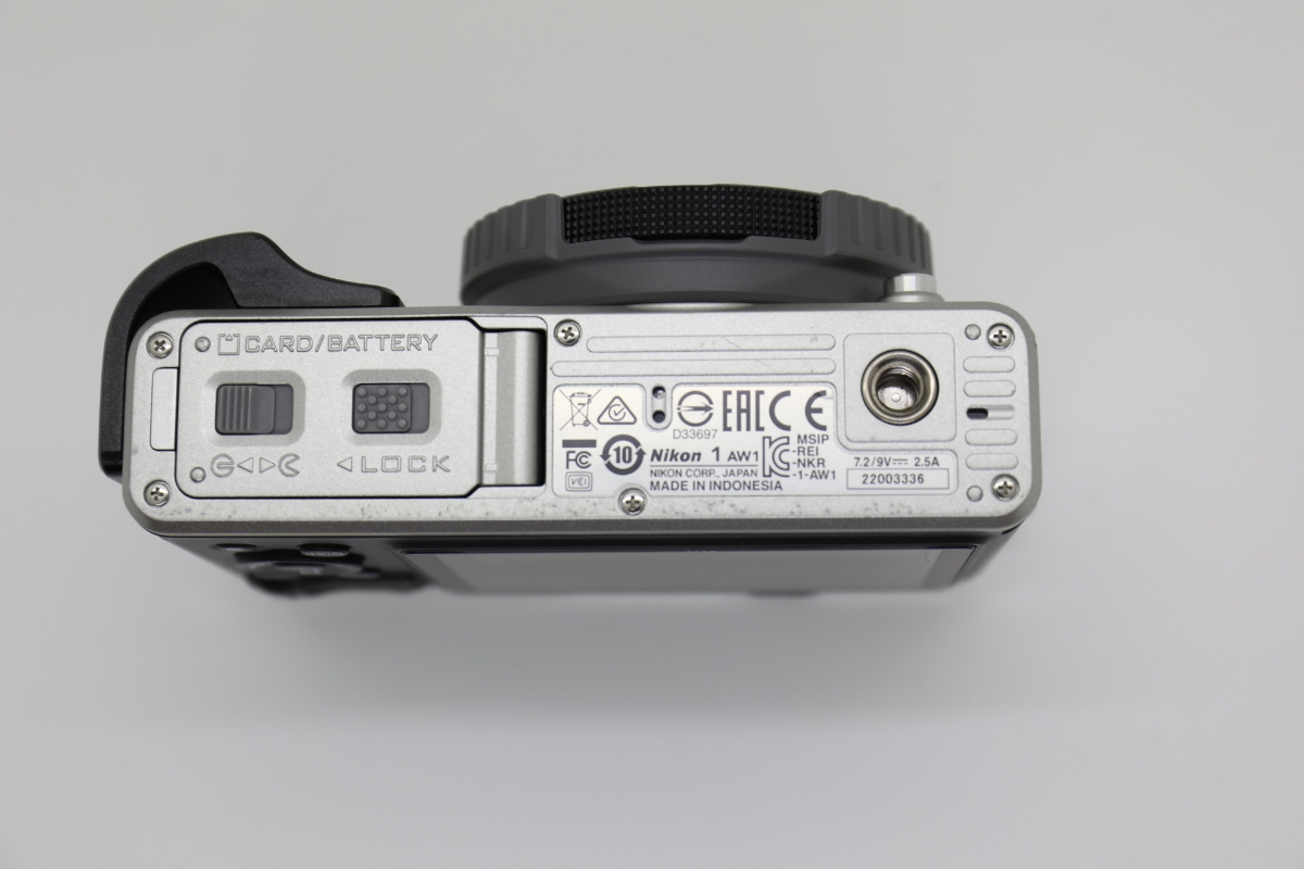 Nikon ニコン 1 AW1 防水ズームレンズキット シルバー Wi-Fiアダプター・グリップ付_画像4