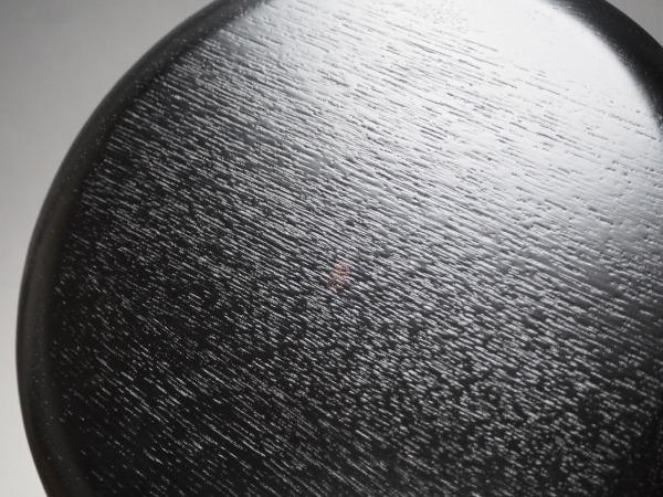 T807314 【 平安 象彦 造 黒縁朱 内輪花彫 菓子盆 紙箱付 無傷 】 検) 茶道具 茶懐石 茶事 木製 漆器 菓子器 菓子皿 盆 皿 京都 p03ⅱ*_画像3