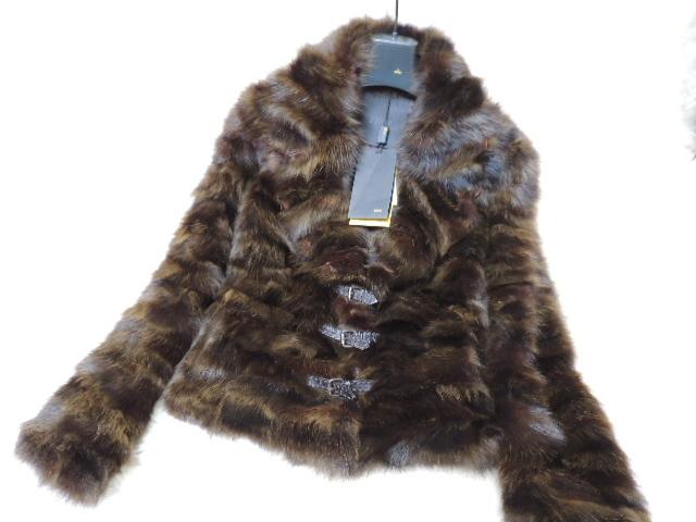 フェンディの セーブル毛皮の ジャケットです。タグの付いた新品で綺麗です。