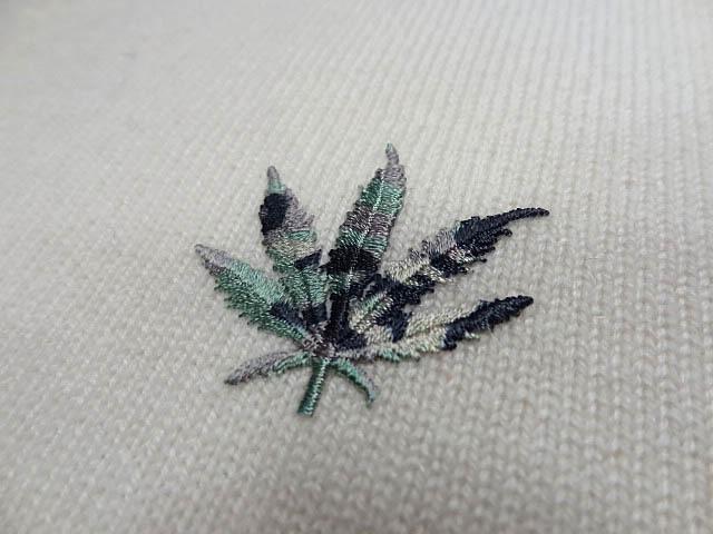 LUCIEN PELLAT FINET ルシアンペラフィネ カシミア 100 Vネック 白 ホワイト ニット マリファナ 大麻 刺繍 ロゴ レディース サイズ S _画像4