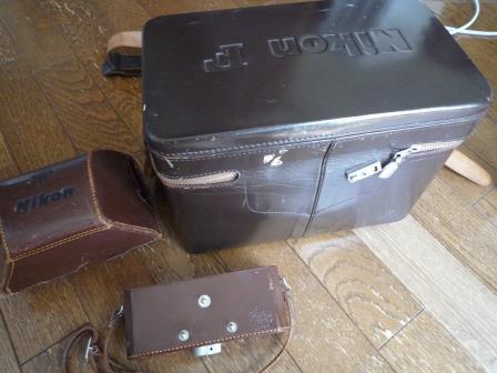 Nikon F 640初期型&専用革製ケース&バッグ&露出計2種&フォトミックファインダー&チックマーク5cmレンズ&フード&プロストラップ_画像9