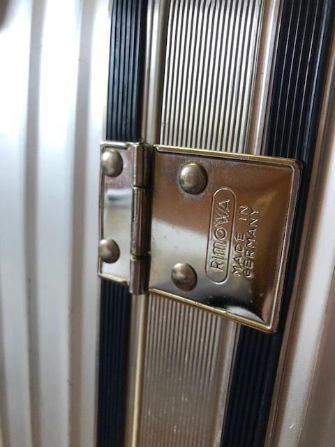 廃盤レア☆リモワ スーツケース トパーズ RIMOWA SILVER INTEGRAL TSAロック付き 4輪 シルバーインテグラル_画像5