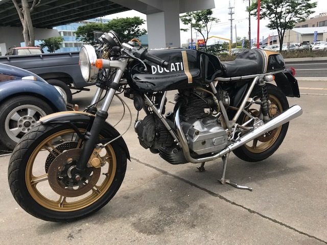 ドゥカティ900MHR カフェレーサー仕様 希少車 エンジン始動OK キック数発 名車 旧車_画像8