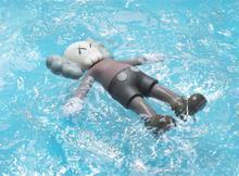 希少◆カウズ最新作◆新品未開封◆KAWS :HOLIDAY Bath Toy フィギュア◆supreme nike offwhite ベアブリック_画像2
