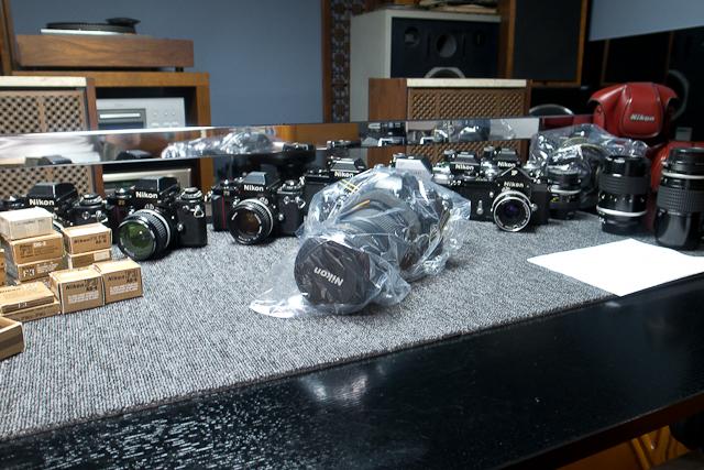 ニコン Nikon AF 80-200/2.8 ED D カメラ修理専門店にてレンズ清掃メンテ品 f100カメラボディー付き