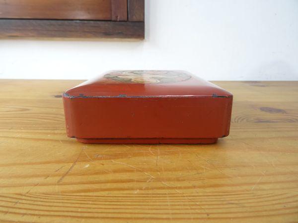 ビンテージレトロ オウムの絵が美しい漆塗りの古い裁縫箱 木製 約縦17.5×横13×高さ4.5cm 検索用⇒ 昭和レトロ/道具箱/筆箱/小物入れ_画像4