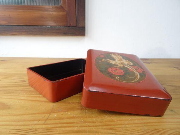 ビンテージレトロ オウムの絵が美しい漆塗りの古い裁縫箱 木製 約縦17.5×横13×高さ4.5cm 検索用⇒ 昭和レトロ/道具箱/筆箱/小物入れ_画像2