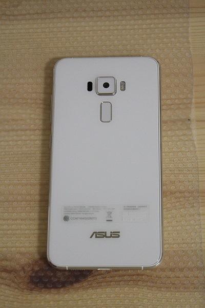 ★展示機!ASUS ZenFone 3 ZE552KL-WH64S4 SIMフリースマホ [ホワイト]★_画像3