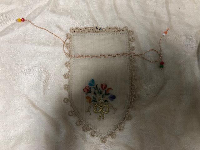 細かいトルコ刺繍とオヤ刺繍が可愛い!トルコのサシェ世界の一つのコレクションです!ラベンダーを入れてください!日本発送送料込み