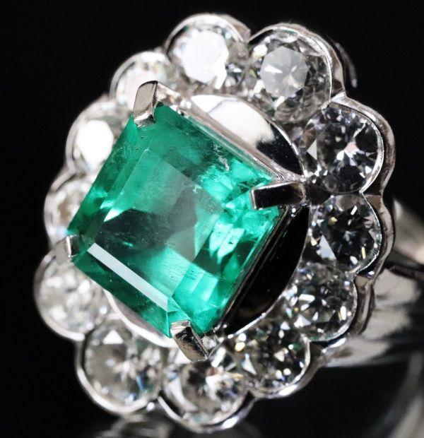 超豪華★鮮やかな 大粒 エメラルド 3.03ct 綺麗な天然ダイヤモンド 2.48ct Pt900 プラチナ リング サイズ13号★指輪 白金_画像2