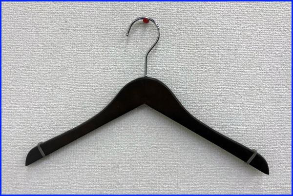 【木製ハンガー】まとめ売り 59本 セット すべり止め付き 業務用/店舗/アパレル/ディスプレイ
