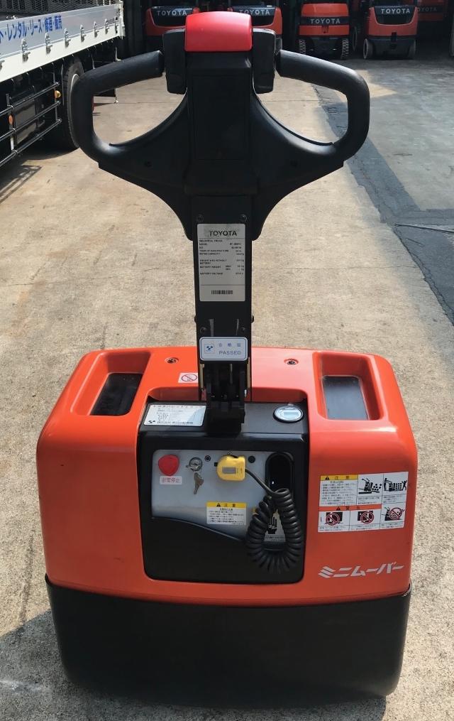 格安!トヨタ 電動 ハンドリフト パレットトラック バッテリー式 1300㎏ 中古 フォークリフト_画像3
