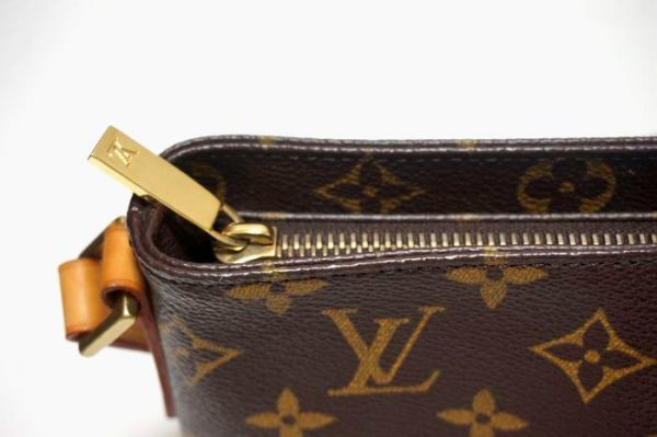 【極美品】ルイヴィトン モノグラム トロター 斜め掛け ショルダーバッグ 鞄 正規品 保護シール付 M51240 Louis Vuitton _画像4