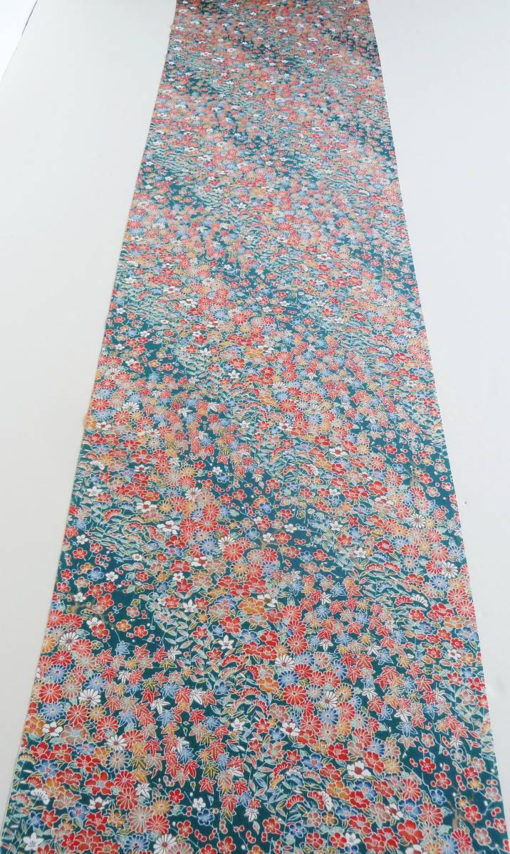 ■彩■古布着物はぎれ/ハギレ 37×164 正絹 縮緬 小花尽くし 鉄色 リメイク素材 お人形 お細工_画像6