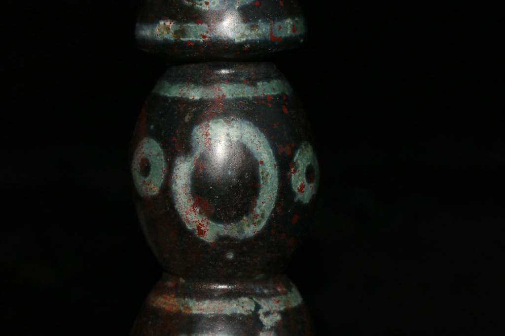 天珠 チベット収集 瑪瑙製 日月星 卍紋 天珠塔 天玉 仏珠 法器 置物 風水 開運 希少珍品唐物_画像7