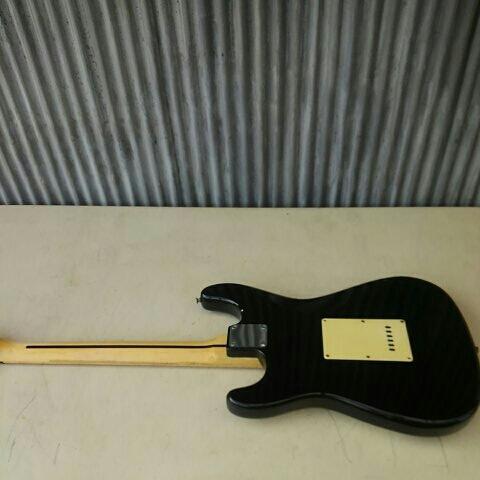 詳細不明 LED内蔵 バーズアイネック エレキギター ストラトキャスター FENDER STRATOCASTER エリック・クラプトン Eric Clapton ブラッキー_画像2