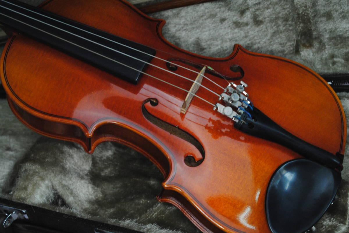 F549.鈴木◇バイオリン◇弦楽器◇SUZUKI◇No.200◇1/8サイズ◇ハードケース入り◇弓付き◇音楽◇コレクション_画像2