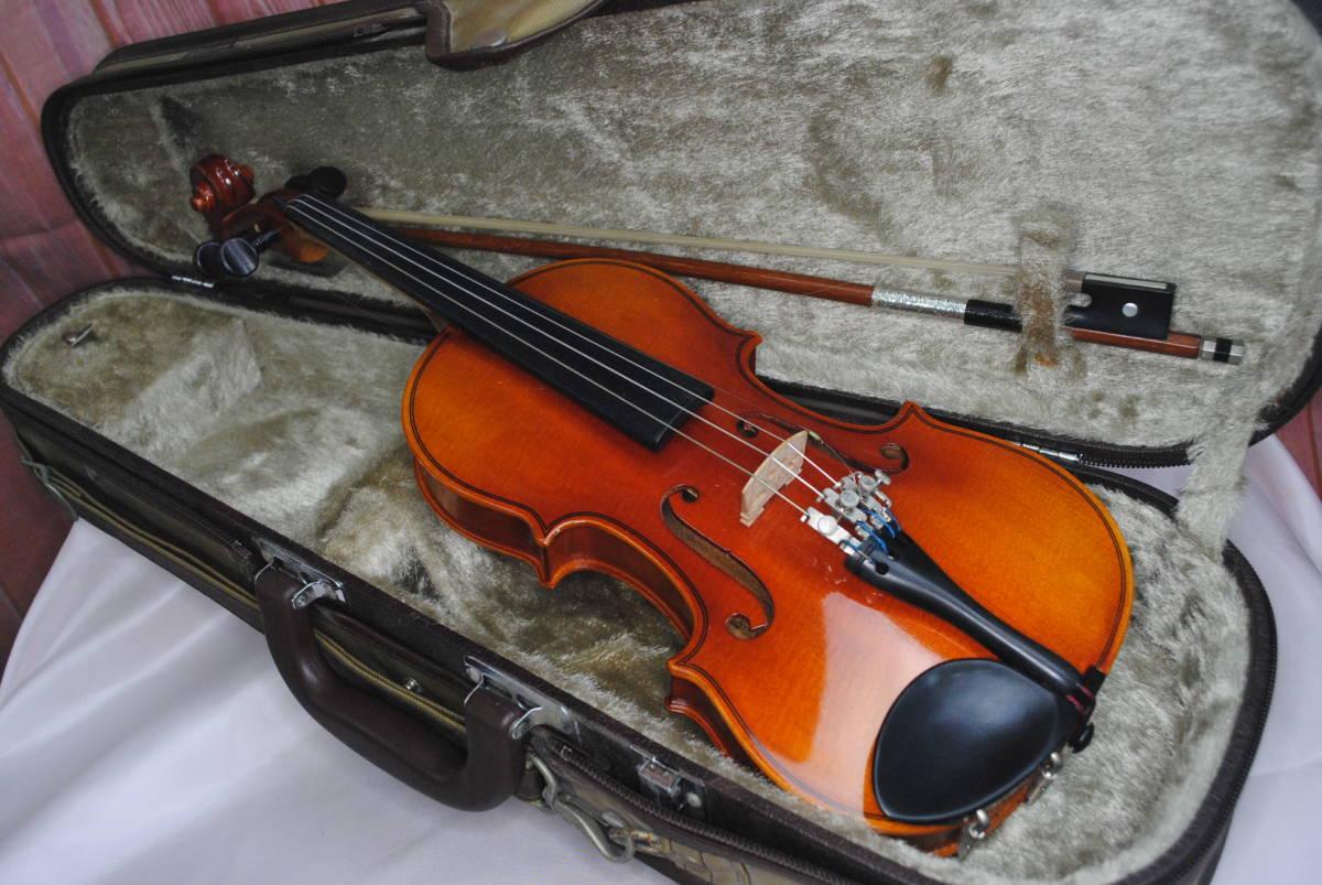 F549.鈴木◇バイオリン◇弦楽器◇SUZUKI◇No.200◇1/8サイズ◇ハードケース入り◇弓付き◇音楽◇コレクション_画像1