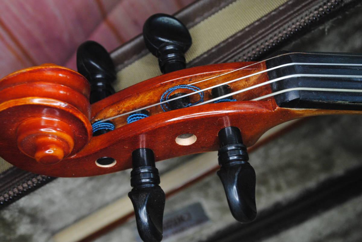 F549.鈴木◇バイオリン◇弦楽器◇SUZUKI◇No.200◇1/8サイズ◇ハードケース入り◇弓付き◇音楽◇コレクション_画像3