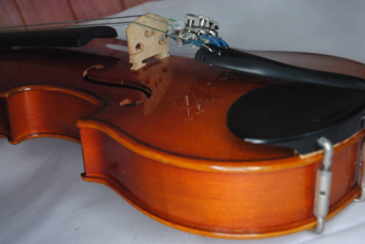 F549.鈴木◇バイオリン◇弦楽器◇SUZUKI◇No.200◇1/8サイズ◇ハードケース入り◇弓付き◇音楽◇コレクション_画像6