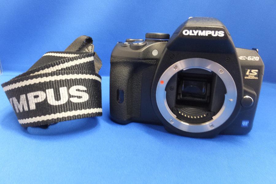 GY6★OLYMPUS デジタル一眼レフカメラ E-620 is ボディ 1230万画素 ショルダーストラップ付 オリンパス デジカメ★現状・ジャンク_画像1
