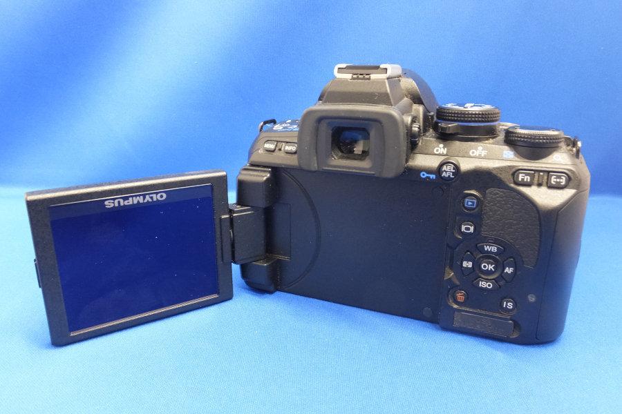 GY6★OLYMPUS デジタル一眼レフカメラ E-620 is ボディ 1230万画素 ショルダーストラップ付 オリンパス デジカメ★現状・ジャンク_画像2