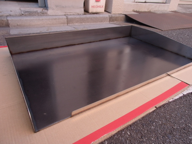 即落札 新品未使用 鉄板 のみ 業務用 鉄板焼 900×550 グリラー グリドル 鉄板厚み6mm お好み焼き 焼きそば ステーキ等 鉄板焼き 鉄板のみ_画像1