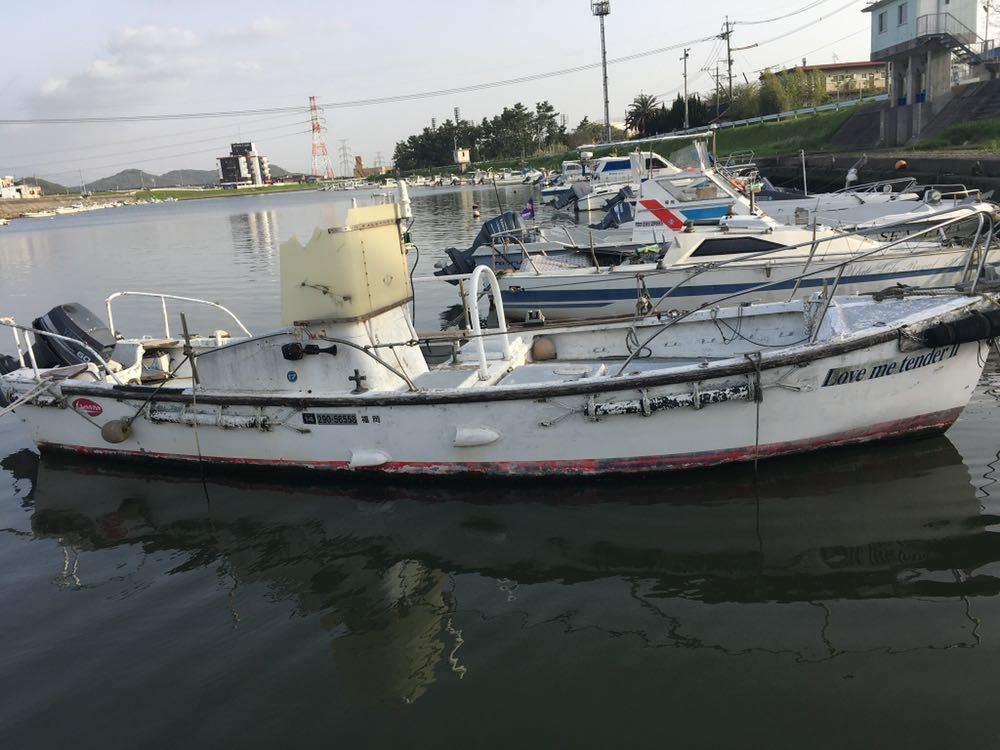 軍隊用の船です!エンジンヤマハ60馬力_画像2