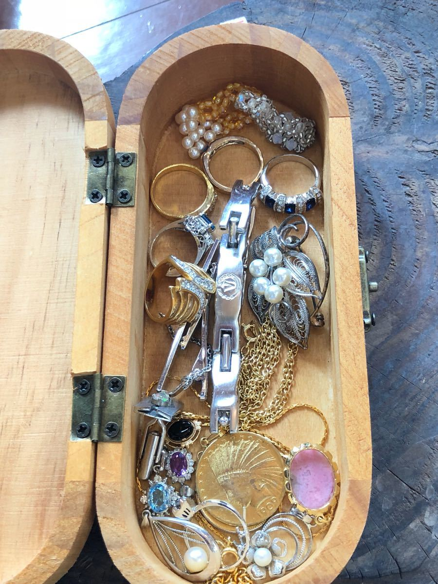 遺品整理品 片付け品 K18 WG 刻印 ブランド アクセサリー 時計 指輪 リング ネックレス ペンダント 大量 まとめて まとめ売り セット 2